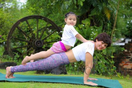 Khi tập Yoga, nên mặc đồ thế nào ?